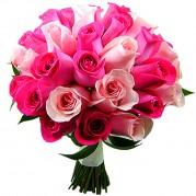 Buquê de noiva com rosas claras e pink